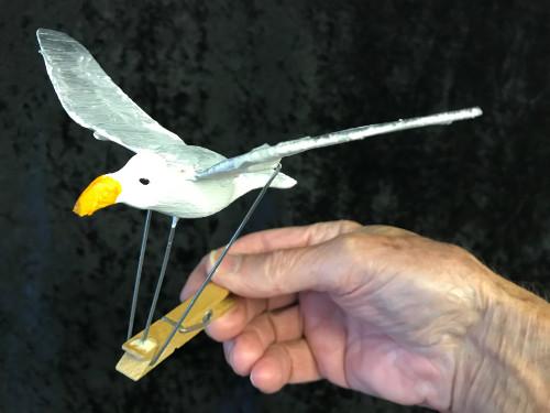 Seagull clothes peg automaton