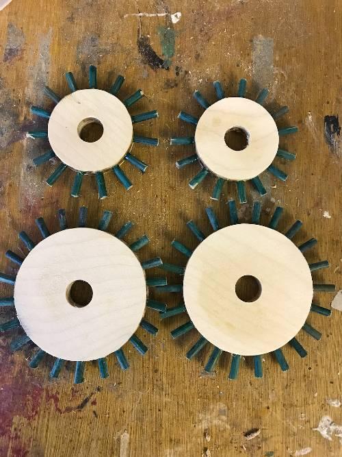 Pin wheel gears for automaton