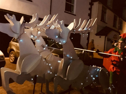 Slot model reindeer in Looe Lantern Parade